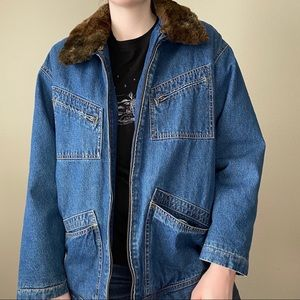 VINTAGE Liz Claiborne Faux Fur Collar Denim Jacket